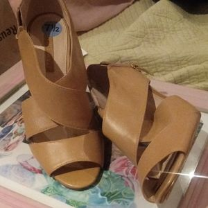 Nine West 7.5 genuine leather sandal nude pump